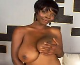 Short hair ebony masturbating